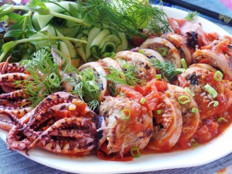 Mực nhồi thịt sốt cà chua cho bữa tối ngon tuyệt - 4