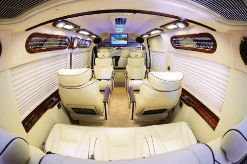DCar Limousine Dịch vụ vận chuyển hành khách cao cấp bằng xe Dcar Limousine. 1473412697 dich vu van chuyen xe  1