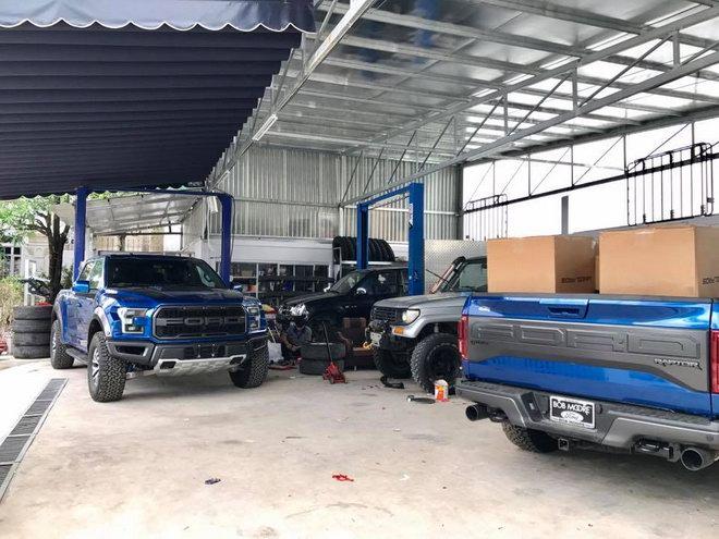 Bộ đôi hàng khủng Ford F-150 Raptor giá 4,5 tỷ đổ bộ TP.HCM - 5