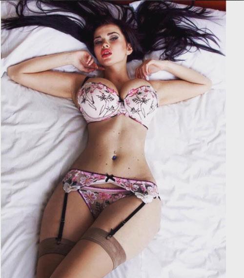 """""""Thót tim"""" vì gái đẹp có vòng 1 tự nhiên 115 cm lớn nhất Ukraine - 7"""