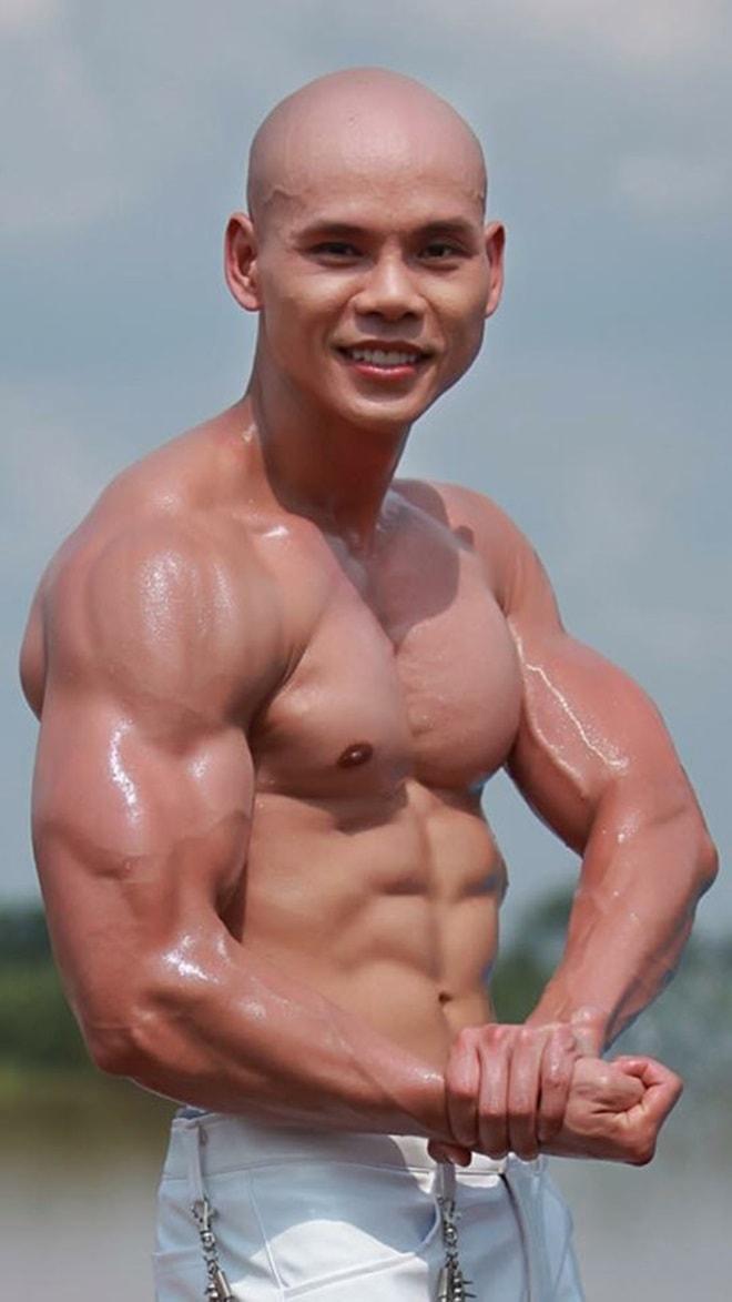"""Những """"nam thần"""" U50 đẹp như tạc tượng của showbiz Việt - 5"""