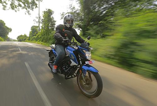 Top 4 xe máy 160 cc với hiệu suất phanh ấn tượng - 2