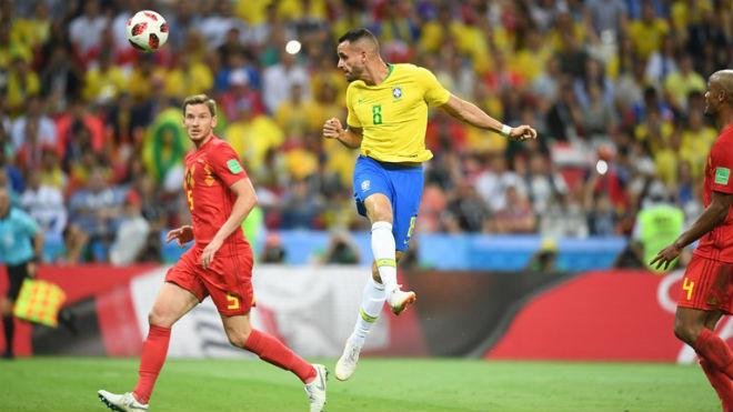 Góc chiến thuật Brazil – Bỉ: Phản công tuyệt đỉnh, thần may mắn ở bên - 3