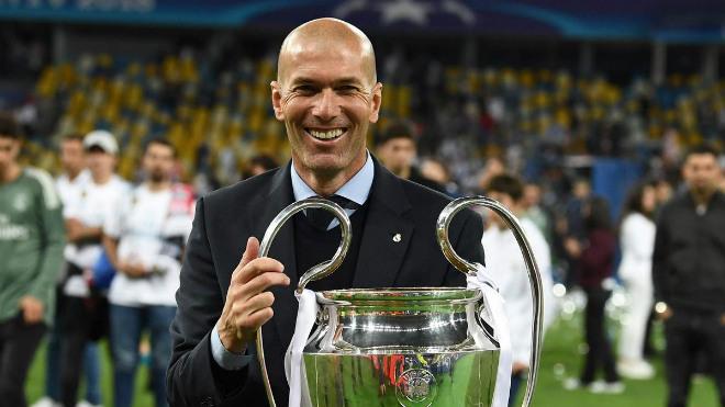 Real mất cả Zidane và Ronaldo: Kiếm củi 3 năm, đốt 1 giờ - 1