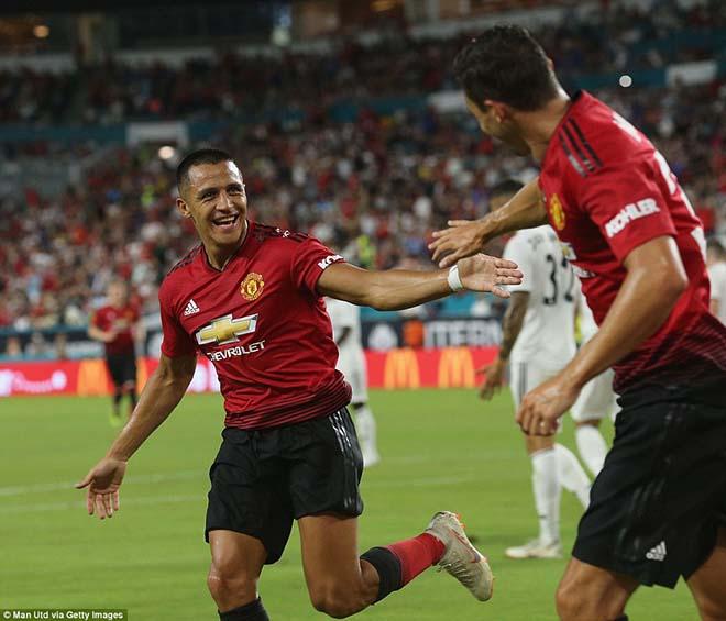 """Mourinho """"cách mạng"""" MU: Mảnh ghép Fred và """"kế hoạch B"""" vì Sanchez - 2"""