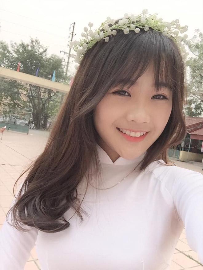 Văn Hậu U23 lập siêu phẩm, bạn gái xinh như hot girl bị săn lùng - 13