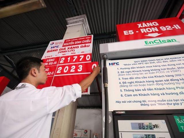 Xăng E5 RON92 tăng lên mốc 20.231 đồng/lít
