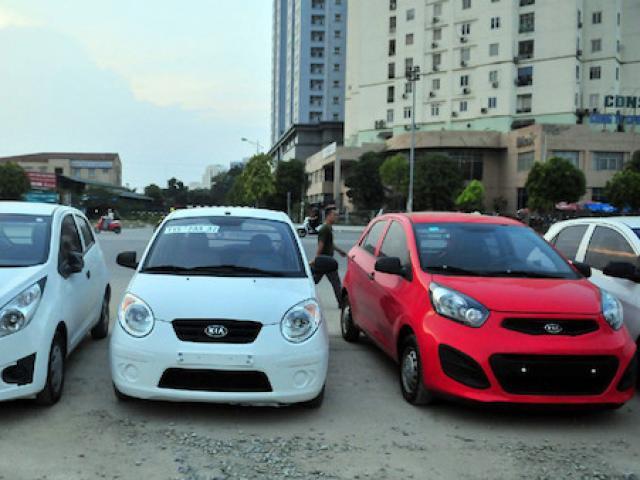 Lượng ô tô nhập khẩu bật tăng mạnh, giá trung bình 490 triệu/chiếc