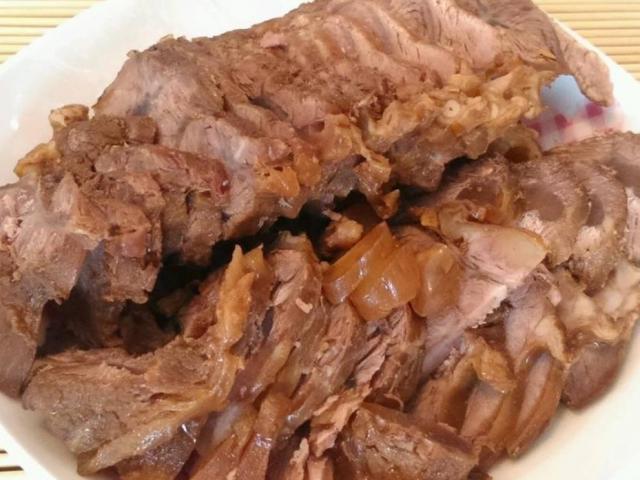 """2 mẹo """"nhỏ mà có võ"""" khi chế biến món thịt bò luộc rất ít người biết"""