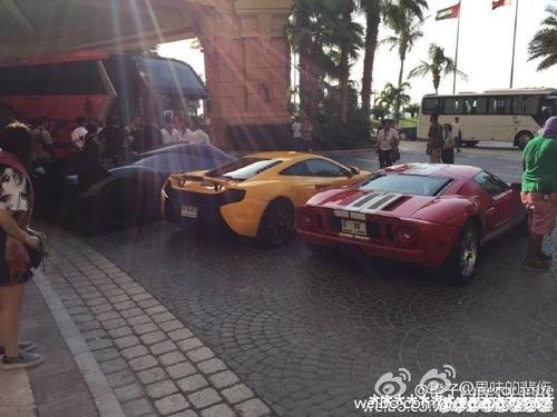 Ê kíp phim Thành Long phá nát siêu xe của hoàng tử Dubai - 12