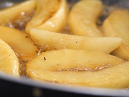 Cách làm món thịt lợn nướng táo thơm phức, lạ miệng - 8