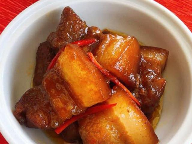 Đổi món với thịt kho Coca đậm vị, bắt mắt trong ngày đông lạnh giá