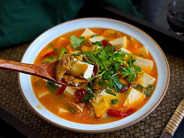 Toàn những nguyên liệu giá rẻ nấu thành món canh siêu ngon, đại bổ cho mùa đông lạnh giá