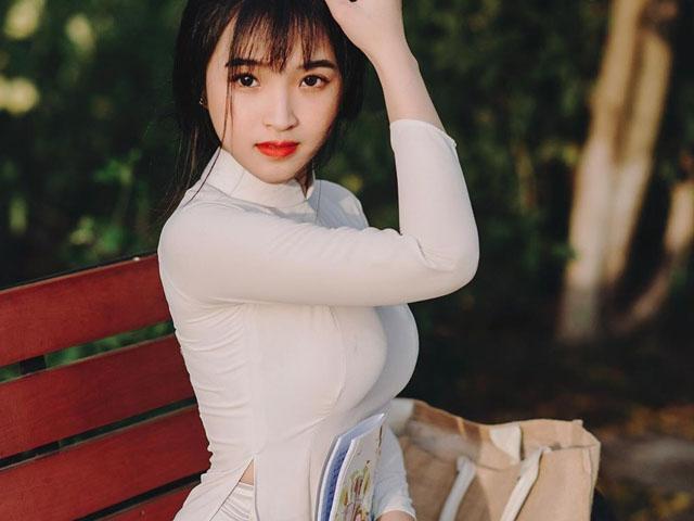"""Nữ sinh Đồng Nai, Đắc Lắk nổi vì mặc áo dài tôn dáng nữ thần """"lột xác"""" với gu diện bạo"""