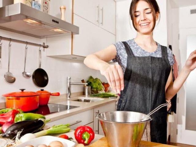 Nêm gia vị trước hay sau khi chế biến, biết được câu trả lời người vụng mấy cũng nấu ngon