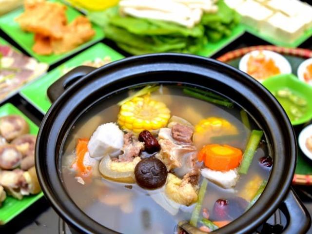 Cách nấu nước nhúng lẩu cực ngon cho gia đình tụ họp vào ngày Tết